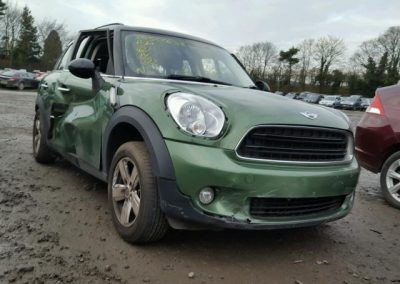 BMW MINI R60 COUNTRYMAN GREEN BREAKING FOR PARTS