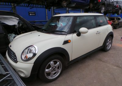 BMW MINI R56 1.6 COOPER D WHITE