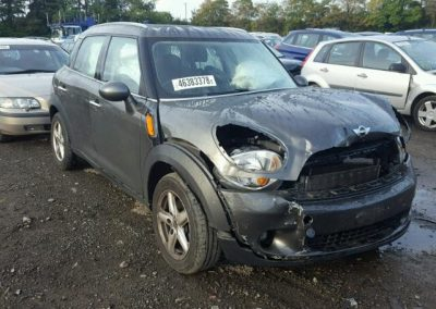 BMW MINI COUNTRYMAN COOPER 2010 1.6 AUTOMATIC BREAKING FOR PARTS