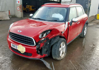 BMW MINI 2013 R60 ONE PETROL 1.6 6 SPEED MANUAL CHILI RED BREAKING FOR PARTS
