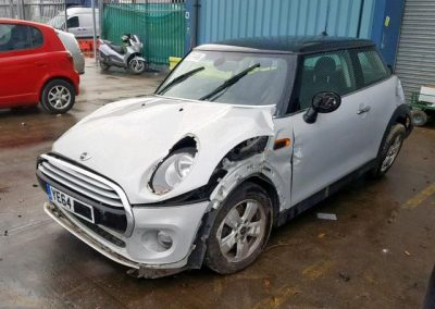 BMW MINI 2014 F56 ONE PETROL 1.5 6 SPEED MANUAL WHITE SILVER METALLIC BREAKING FOR PARTS
