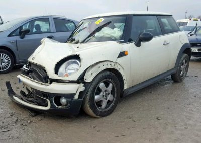 BMW MINI 2008 R56 ONE 1.4 6 SPEED MANUAL PEPPER WHITE BREAKING FOR PARTS