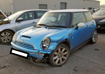 BMW MINI 2002 R50 COOPER S 1.6 6 SPEED MANUAL ELECTRIC BLUE BREAKING FOR PARTS