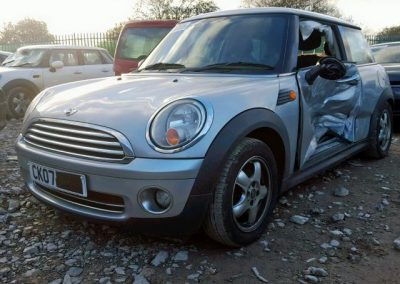 BMW MINI 2007 R56 ONE 1.4 6 SPEED MANUAL PURE SILVER METALLIC BREAKING FOR PARTS