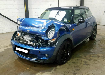BMW MINI 2008 R56 ONE 1.4 6 SPEED MANUAL LIGHTNING BLUE METALLIC BREAKING FOR PARTS