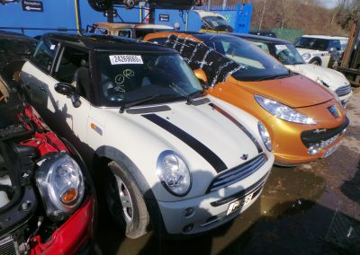 BMW MINI 2006 R50 COOPER 1.6 5 SPEED MANUAL PEPPER WHITE BREAKING FOR PARTS
