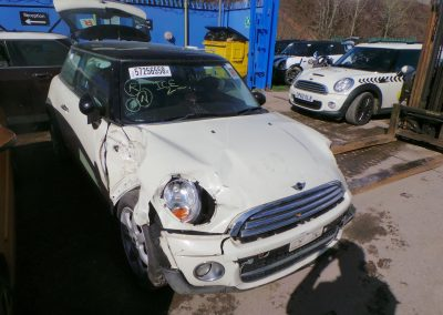 BMW MINI 2007 R56 COOPER D DIESEL 1.6 6 SPEED MANUAL PEPPER WHITE BREAKING FOR PARTS