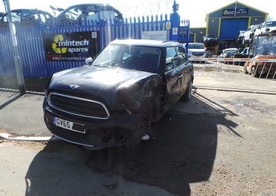 BMW MINI 2015 R60 COUNTRYMAN COOPER D DIESEL BUSINESS EDITION 1.6 6 SPEED AUTOMATIC ABSOLUTE BLACK METALLIC BREAKING FOR PARTS