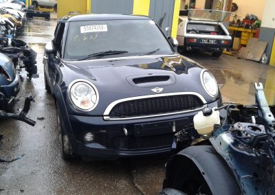 BMW MINI 2007 R56 COOPER S 1.6 6 SPEED MANUAL ASTRO BLACK METALLIC BREAKING FOR PARTS