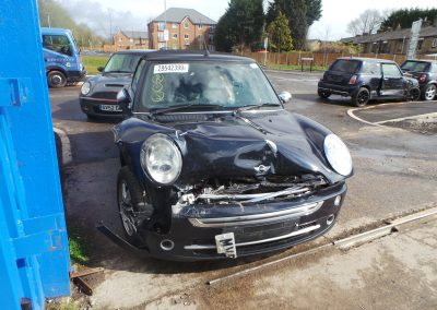 BMW MINI 2005 R52 ONE 1.6 5 SPEED MANUAL ASTRO BLACK METALLIC BREAKING FOR PARTS