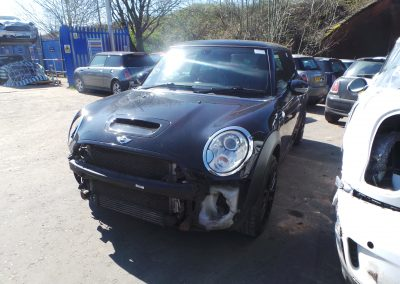 BMW MINI 2009 R56 COOPER S JCW JOHN COOPER WORKS 1.6 6 SPEED MANUAL MIDNIGHT BLACK METALLIC BREAKING FOR PARTS