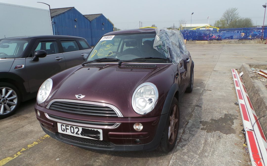 BMW MINI 2002 R50 ONE 1.6 6 SPEED AUTOMATIC VELVET RED METALLIC BREAKING FOR PARTS