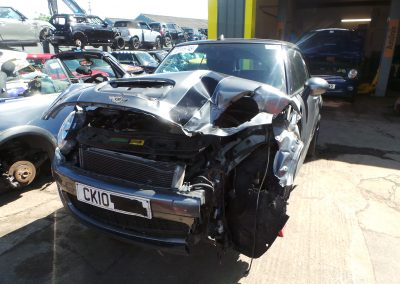BMW MINI 2010 R57 COOPER S CONVERTIBLE 1.6 6 SPEED MANUAL DARK SILVER METALLIC BREAKING FOR PARTS. REFERENCE CAR NO. 1227