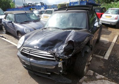 BMW MINI 2005 R52 COOPER CONVERTIBLE 1.6 6 SPEED MANUAL ASTRO BLACK METALLIC BREAKING FOR PARTS