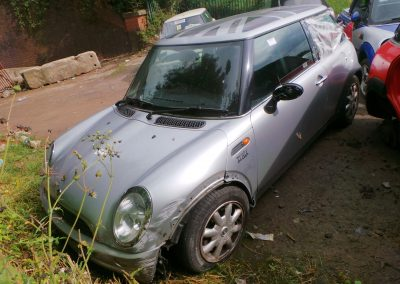 BMW MINI 2002 R50 ONE 1.6 5 SPEED MANUAL PURE SILVER BREAKING FOR PARTS