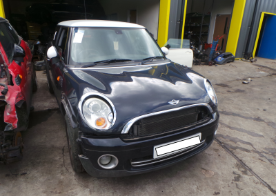 BMW MINI 2006 R56 COOPER 1.6 6 SPEED MANUAL ASTRO BLACK METALLIC BREAKING FOR PARTS. REFERENCE CAR NO. 1311