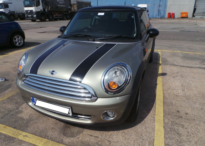 BMW MINI 2006 R56 COOPER 1.6 6 SPEED MANUAL SPARKLING SILVER METALLIC BREAKING FOR PARTS. REFERENCE CAR NO. 1313