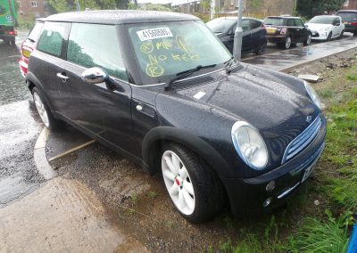 BMW MINI 2005 R50 ONE 1.6 6 SPEED AUTOMATIC BLACK BREAKING FOR PARTS