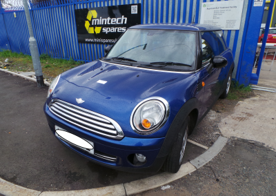 BMW MINI 2007 R56 COOPER 1.6 6 SPEED MANUAL LIGHTNING BLUE METALLIC BREAKING FOR PARTS. REFERENCE CAR NO. 1342.