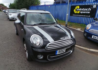 BMW MINI 2012 R55 LCI COOPER CLUBMAN 1.6 6 SPEED MANUAL MIDNIGHT BLACK METALLIC BREAKING FOR PARTS. REFERENCE CAR NO. 1340