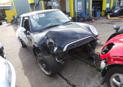 BMW MINI 2002 R50 ONE 1.6 5 SPEED MANUAL BLACK BREAKING FOR PARTS. REFERENCE CAR NO. 1375