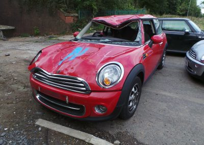 BMW MINI 2012 R56 LCI COOPER 1.6 6 SPEED MANUAL CHILI RED BREAKING FOR PARTS. REFERENCE CAR NO. 1377