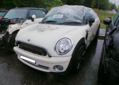 BMW MINI 2009 R57 COOPER CONVERTIBLE 1.6 6 SPEED MANUAL PEPPER WHITE BREAKING FOR PARTS. REFERENCE CAR NO. 1361