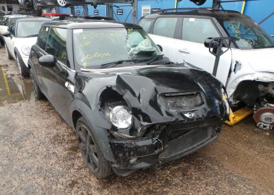 BMW MINI 2009 R56 COOPER S 1.6 6 SPEED MANUAL MIDNIGHT BLACK METALLIC BREAKING FOR PARTS. REFERENCE CAR NO. 1392