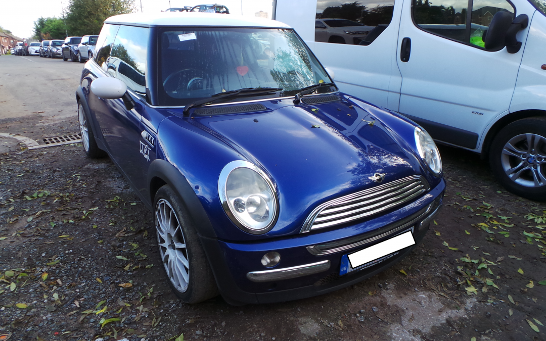 BMW MINI 2003 R50 COOPER 1.6 5 SPEED MANUAL INDI BLUE METALLIC BREAKING FOR PARTS. REFERENCE CAR NO. 1395