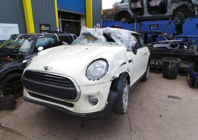 BMW MINI 2016 F56 ONE 1.2 6 SPEED MANUAL PEPPER WHITE BREAKING FOR PARTS. REFERENCE CAR NO. 1402