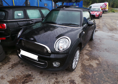 BMW MINI 2011 R57 LCI CONVERTIBLE COOPER D DIESEL 1.6 6 SPEED MANUAL MIDNIGHT BLACK METALLIC BREAKING FOR PARTS.