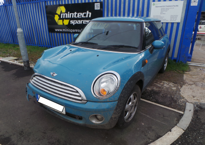 BMW MINI 2010 R56 FIRST 1.4 6 SPEED MANUAL OXYGEN BLUE BREAKING FOR PARTS. REFERENCE CAR NO. 1383