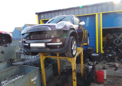 BMW MINI 2002 R50 COOPER 1.6 AUTOMATIC VELVET RED METALLIC BREAKING FOR PARTS. REFERENCE CAR NO. 1396
