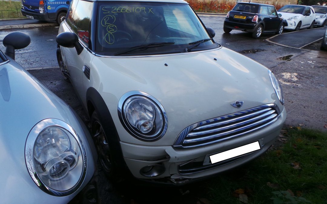 BMW MINI 2009 R56 ONE 1.4 6 SPEED MANUAL PEPPER WHITE BREAKING FOR PARTS. REFERENCE CAR NO. 1432