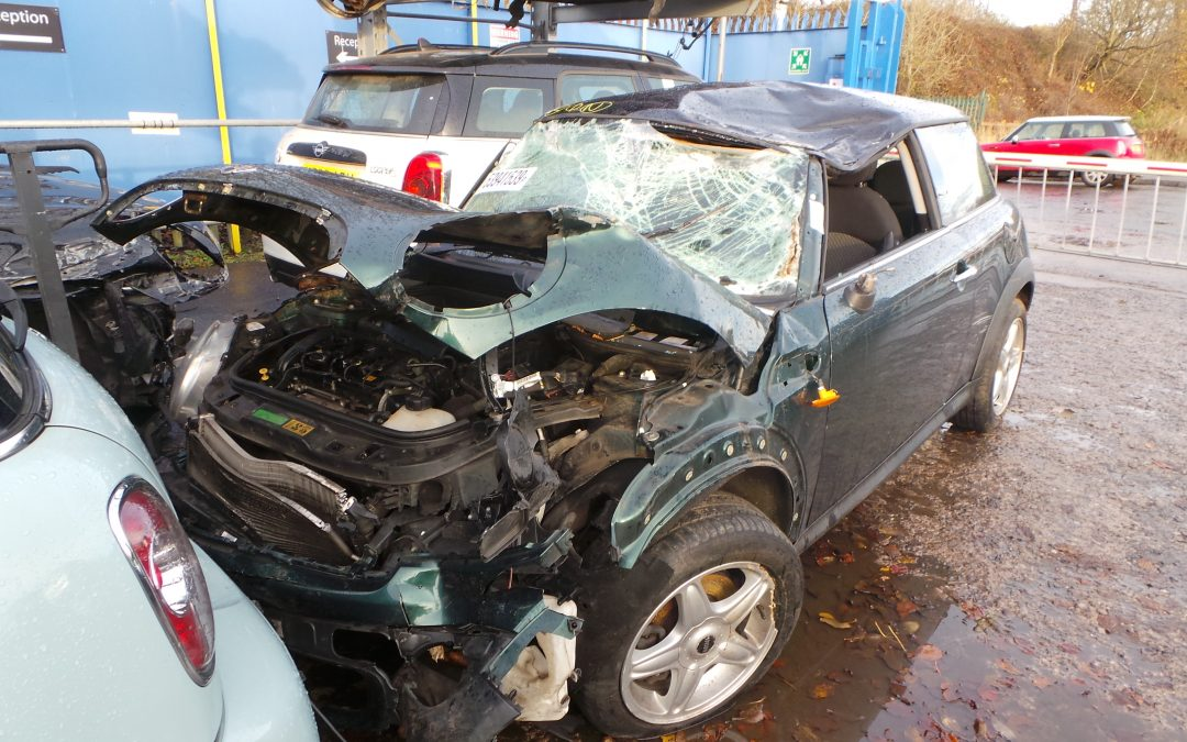BMW MINI 2007 R56 COOPER 1.6 6 SPEED MANUAL BRITISH RACING GREEN METALLIC BREAKING FOR PARTS. REFERENCE CAR NO. 1433.