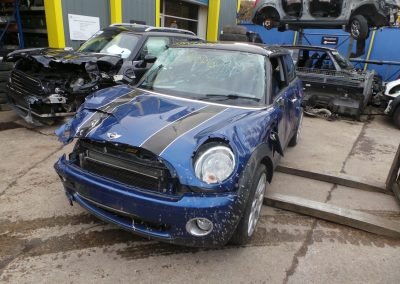 BMW MINI 2008 R56 COOPER 1.6 6 SPEED MANUAL LIGHTNING BLUE METALLIC BREAKING FOR PARTS. REFERENCE CAR NO. 1427.