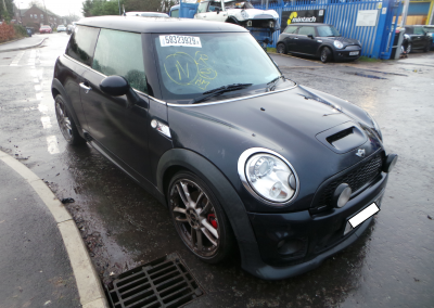 BMW MINI 2006 R56 COOPER S 1.6 6 SPEED MANUAL ASTRO BLACK METALLIC FOR PARTS. REFERENCE CAR NO. 1460.