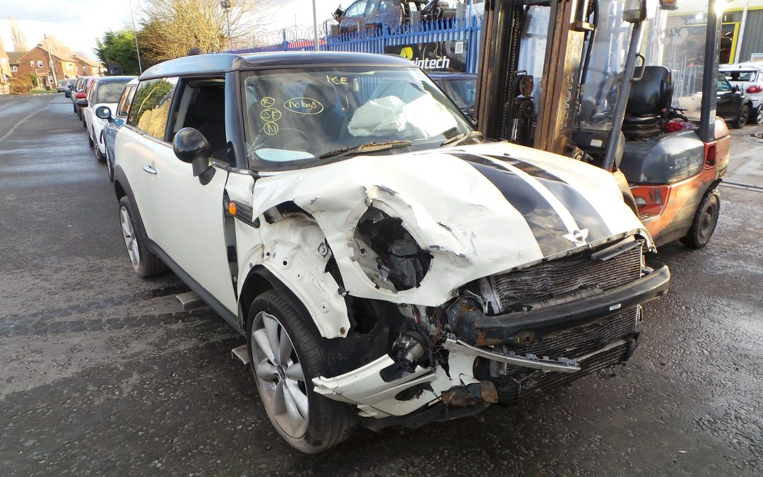 BMW MINI 2008 R55 CLUBMAN COOPER D DIESEL 1.6 6 SPEED MANUAL PEPPER WHITE FOR PARTS. REFERENCE CAR NO. 1480.