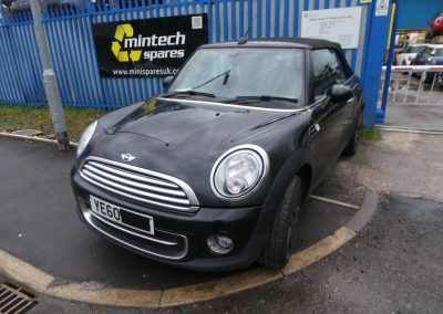 BMW MINI 2010 R57 LCI COOPER D DIESEL 1.6 6 SPEED MANUAL MIDNIGHT BLACK METALLIC FOR PARTS. REFERENCE CAR NO. 1483.