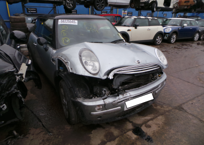 BMW MINI 2003 R50 COOPER 1.6 AUTOMATIC PURE SILVER FOR PARTS. REFERENCE CAR NO. 1464.
