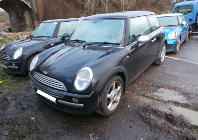 BMW MINI 2003 R50 COOPER 1.6 AUTOMATIC ASTRO BLACK METALLIC FOR PARTS. REFERENCE CAR NO. 1467.