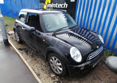 BMW MINI 2003 R50 ONE 1.6 5 SPEED MANUAL BLACK 2 BREAKING FOR PARTS. REFERENCE CAR NO. 1526.