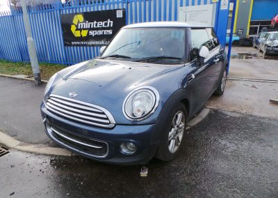BMW MINI 2011 R56 LCI COOPER 1.6 6 SPEED MANUAL HORIZON BLUE METALLIC BREAKING FOR PARTS. REFERENCE CAR NO. 1386.