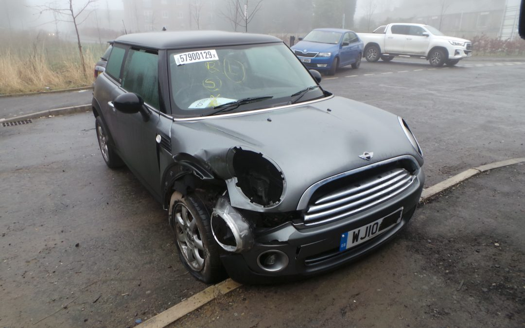 BMW MINI 2010 R56 COOPER GRAPHITE EDITION 1.6 6 SPEED MANUAL DARK SILVER METALLIC BREAKING FOR PARTS. REFERENCE CAR NO. 1501.