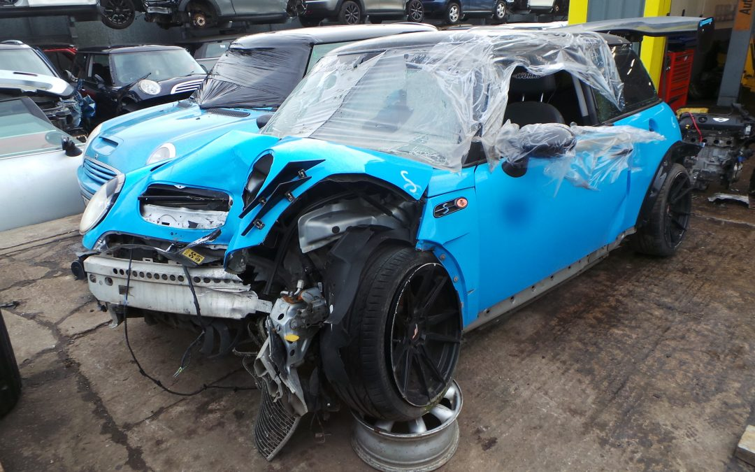 HEAVILY MODIFIED BMW MINI 2003 R53 COOPER S 1.6 6 SPEED MANUAL BLUE BREAKING FOR PARTS. REFERENCE CAR NO. 1502.