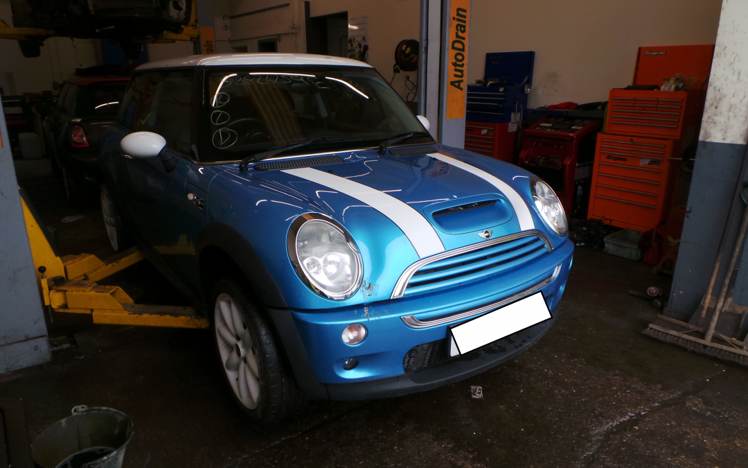 BMW MINI 2003 R53 COOPER S 1.6 6 SPEED MANUAL ELECTRIC BLUE METALLIC BREAKING FOR PARTS. REFERENCE CAR NO. 1541.