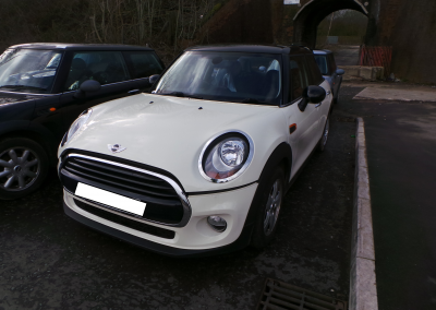 BMW MINI 2016 F55 COOPER 1.5 6 SPEED MANUAL PEPPER WHITE BREAKING FOR PARTS.
