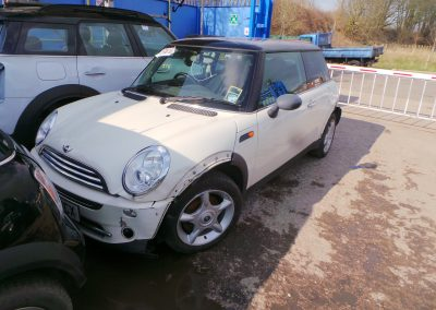 BMW MINI 2005 R50 COOPER 1.6 5 SPEED MANUAL PEPPER WHITE BREAKING FOR PARTS. REFERENCE CAR NO. 1540.